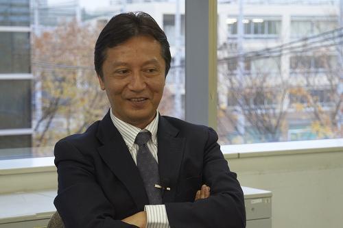 川田一美津さん2小.JPG